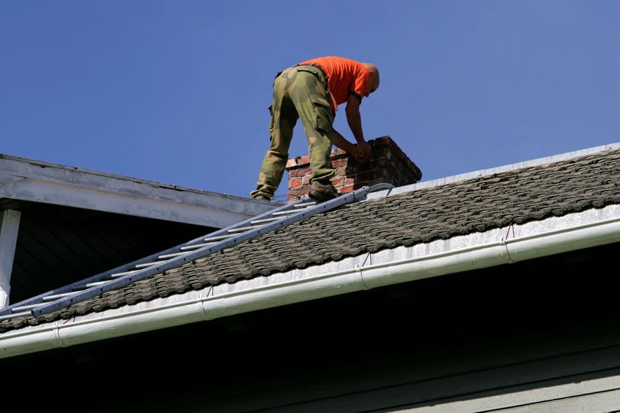 Tips for Regular Roof Maintenance That Can Save You Money