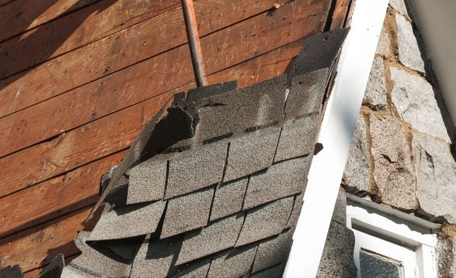Roof Repair vs. New Roof in Canton Michigan – Which One Do You Need?
